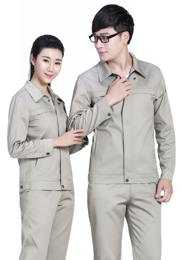 现货工作服和定制工作服有什么区别呢?