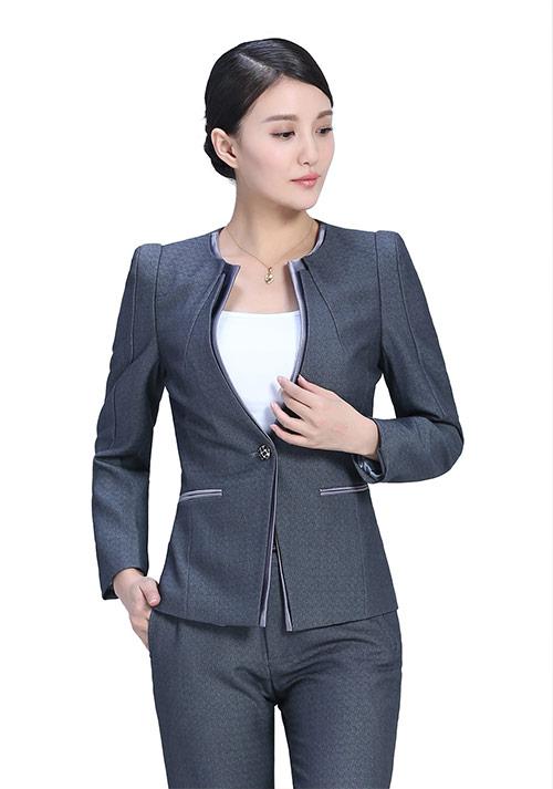 女士工作服着装需要注意些什么你了解吗?