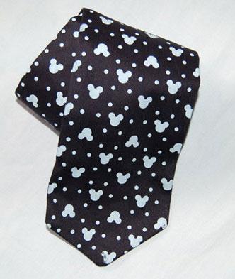 清洗订制领带保持不变型的方法是什么